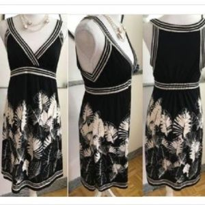 Dresses & Skirts - Floral Sleeveless Dress Size S